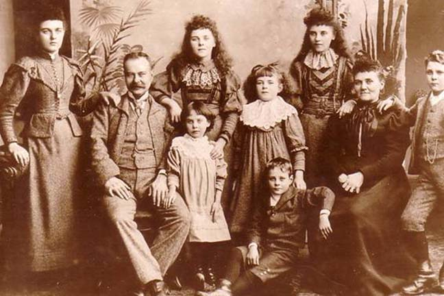 Cresswell Family ca. 1894